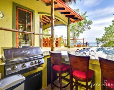 Casa Overlook – Large Private Villa with Wonderful View and Pool