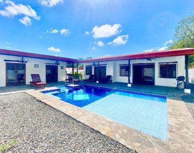 Villa Gaviota 3 Bedrooms Sleeps 8 Private pool